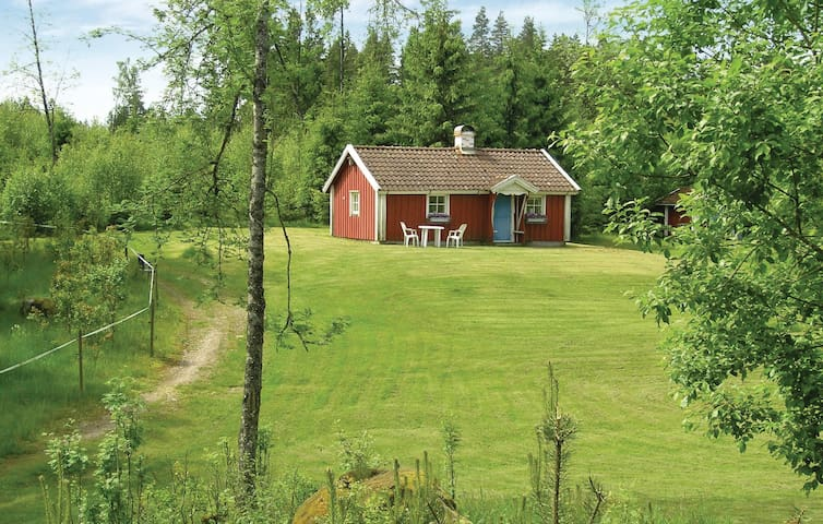 Holiday cottage with 1 bedroom on 40m² in Sjötofta