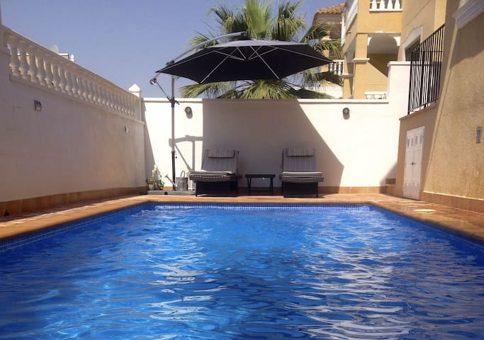 Gorgeous flat with private pool - Alicante - Huoneisto