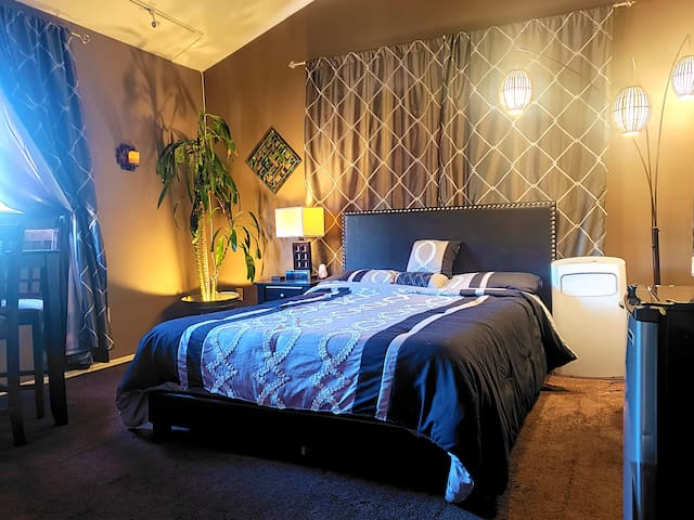 Heaven of Hills Private Suite |Universal Hollywood