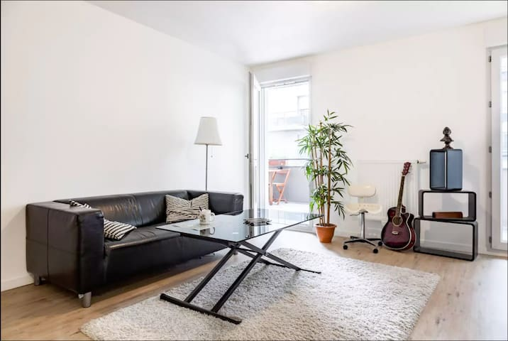 Appart neuf à Paris 55m²: Terrasse et Parking!