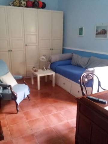 Single or double room in Torre del Greco
