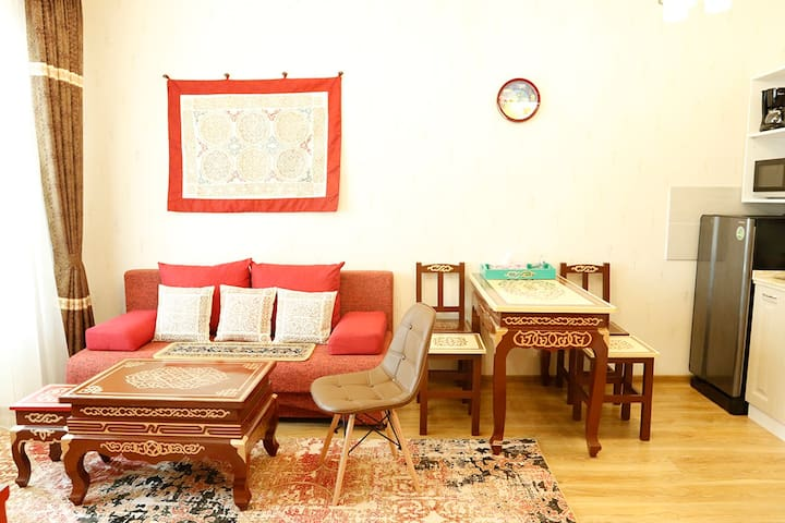 Cozy traditional flat in city center with WIFI 1