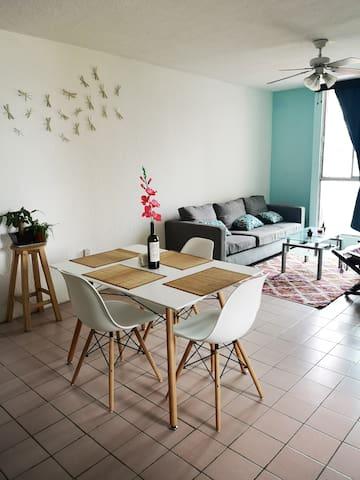Habitación en departamento acogedor / Cozy home