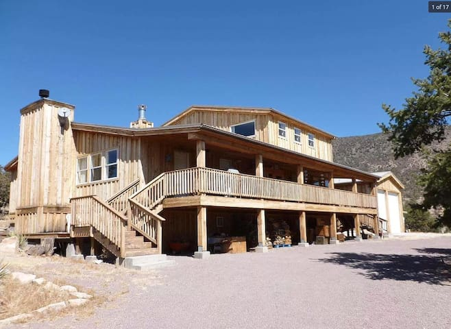 Turtle Rock  Lodge 3 bedroom 8 beds on 63 acres