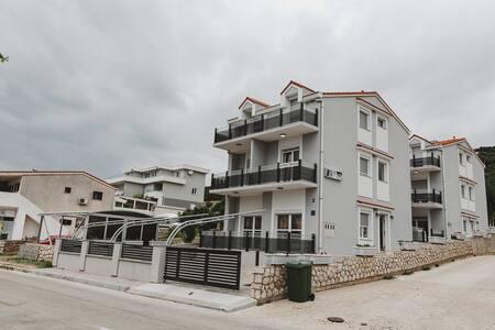 Grey Villas- A5 Second Floor One Bedroom Apartment