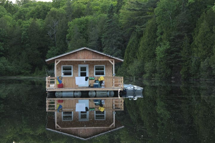 Floating Cottage on a Lake - Otter Lake
