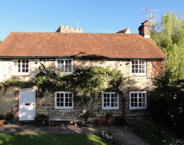 Luxury Double room in 16th Century Cottage
