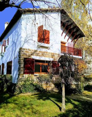Chalet on the Camino de Santiago. Jaca (Spain)