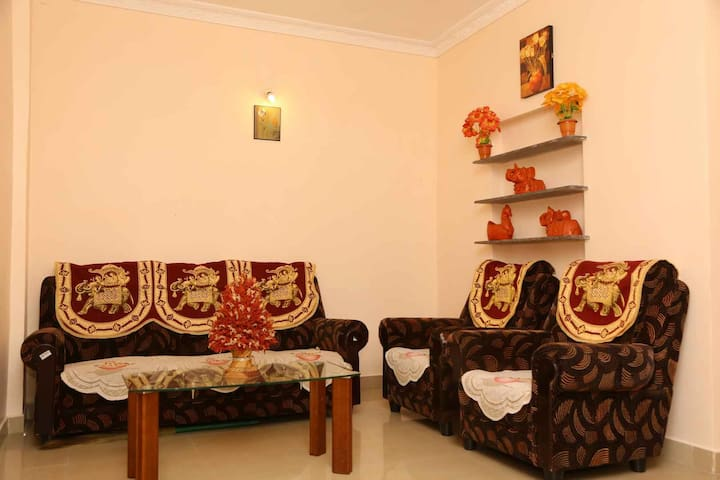 Pranov Residency A/c Peace Stay - Coimbatore - Appartement