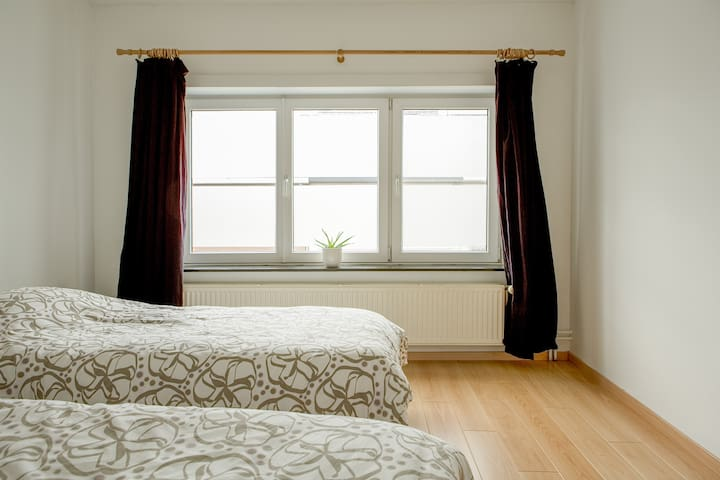 Bedroom faces south, street side with little traffic