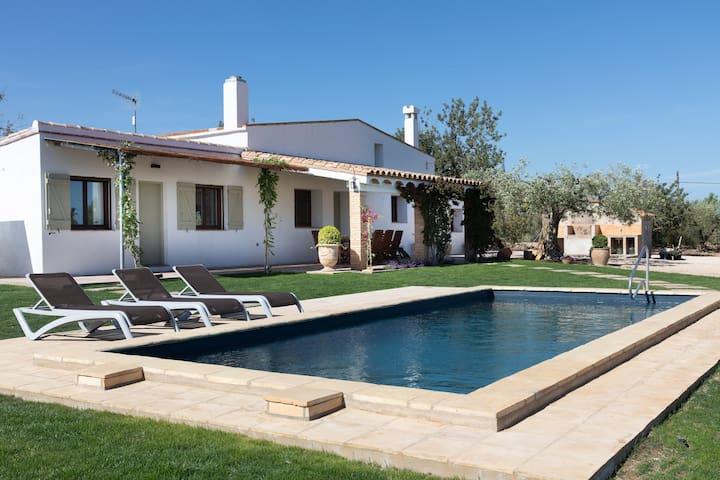 Villa Mediterraneene avec Piscine