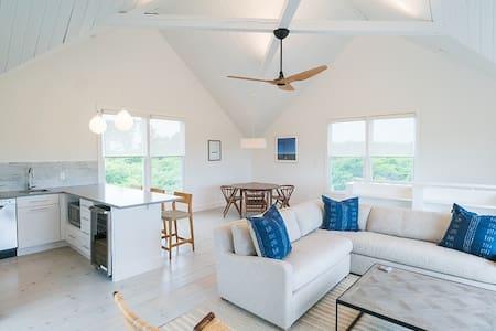 Modern 2BR Cottage w/ Ocean View