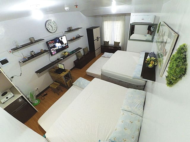 1 - Fully Furnished Condo Fit For All (w/ NETFLIX)