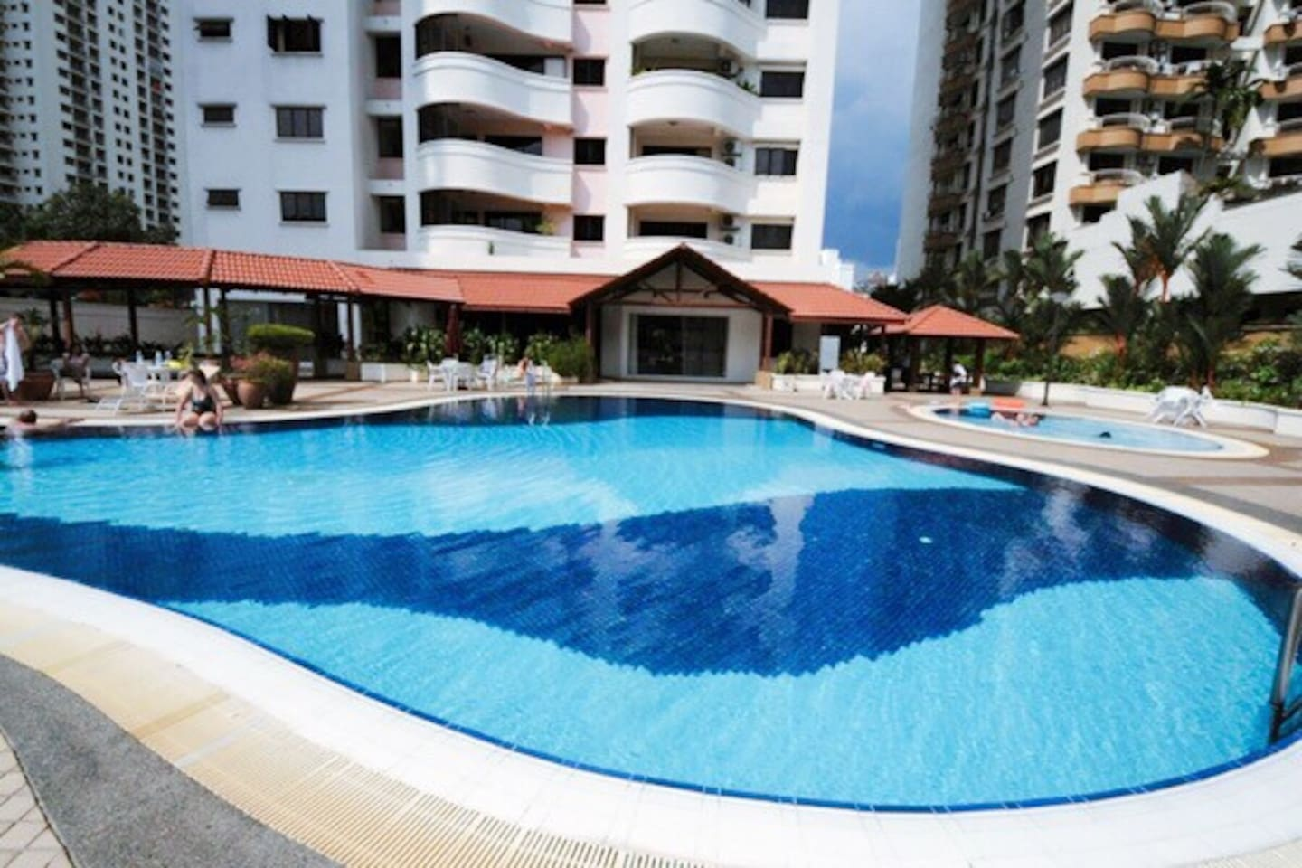 You can swim and enjoy the view of city center make you feel like staying at a resort.