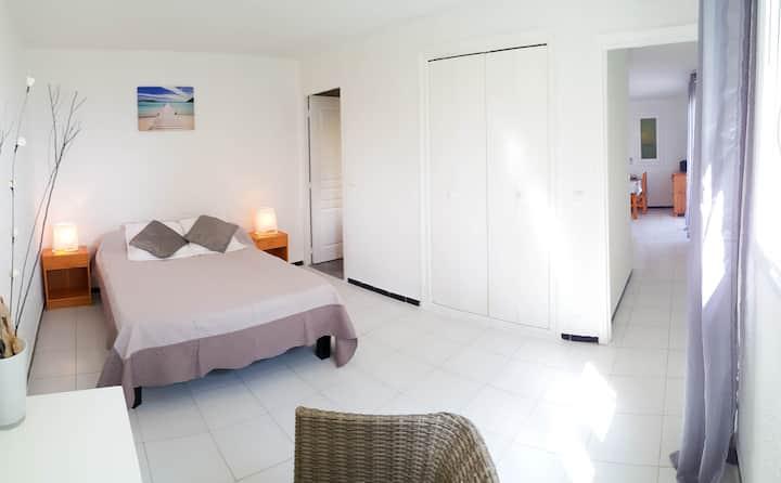 Petite villa dans résidence privée