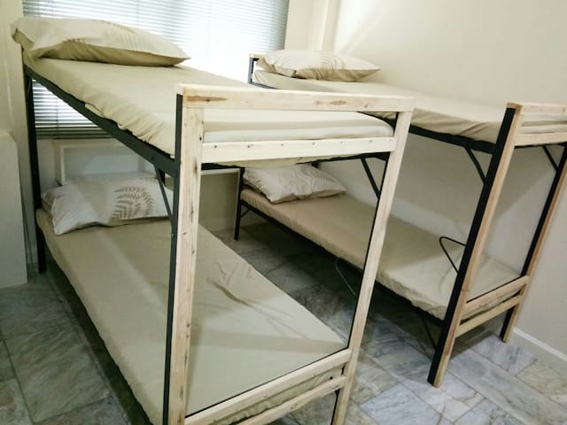 LADIES only Bedspace at BGC 38th Drive
