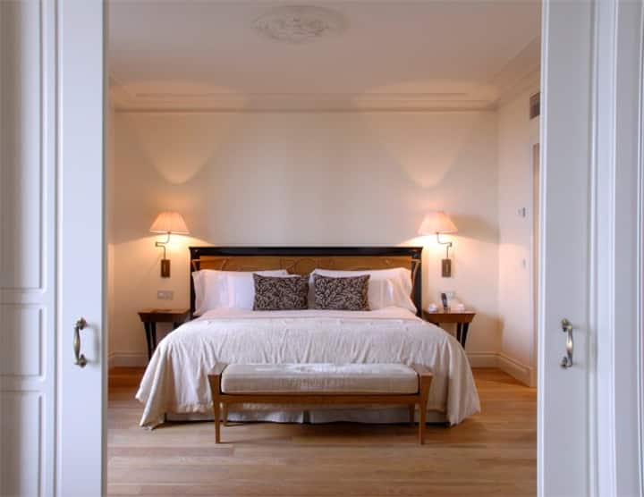 Habitación Junior Suite con vistas maravillosas sobre Barcelona y el mar