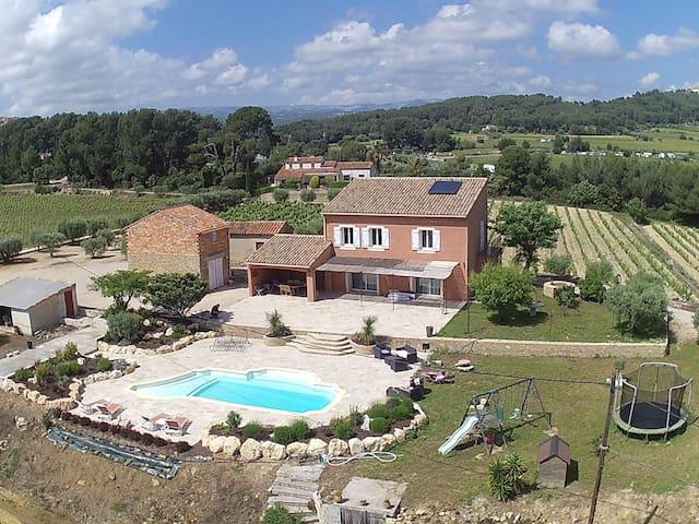 Mas provençal & silence au milieu des vignes