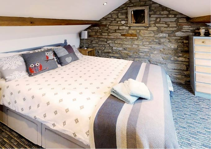 Barn conversion, Ludlow, great 4 family & walkers