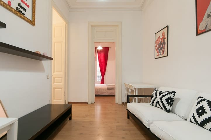 CHARMING 2BDR APARTMENT IN GREAT NEIGHBOURHOOD