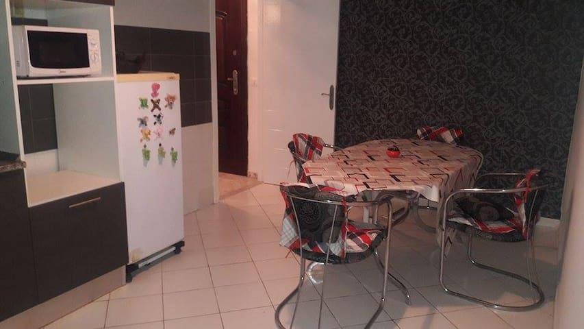 appartement  situe dans une résidence propre