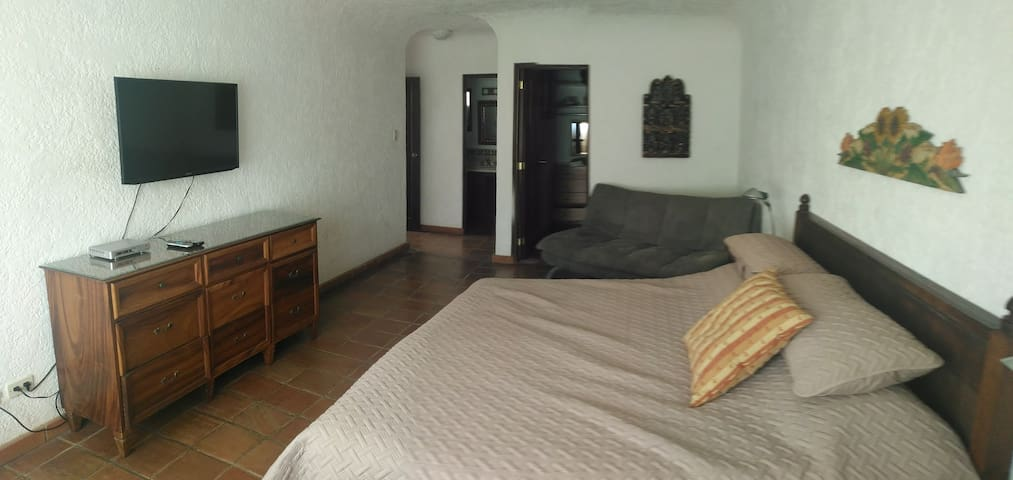 Casa Santa Clara - Room #R1 w/Private Bathroom