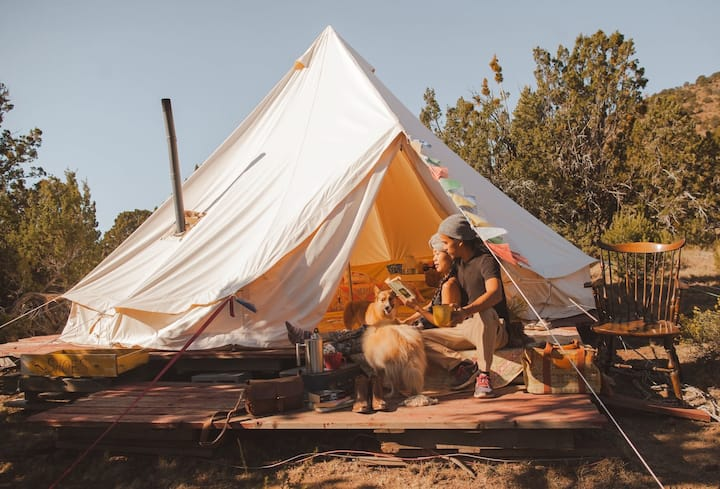 Grand Canyon Glamping Huge EcoYurt(sleeps up to 8)