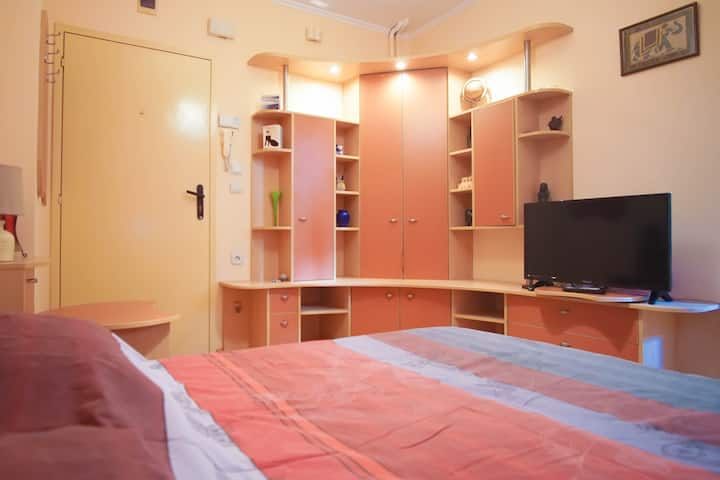 Top-located cozy studio