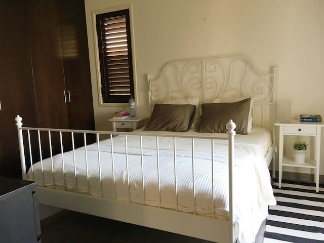 Wonderfully comfortable double bed - for a big sleep