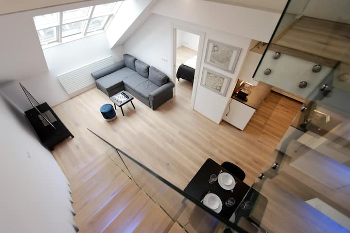 Bright & spacious loft in the heart of Prague