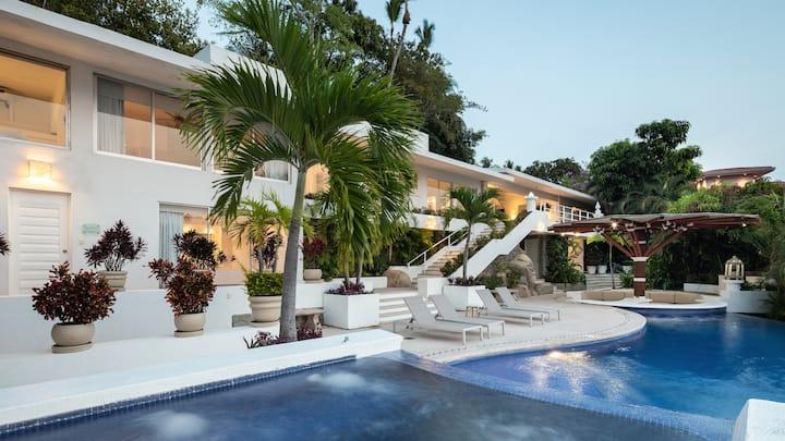 Las Brisas—Casa Obelisk—Luxury Villa
