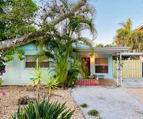 Cozy Cottage on Siesta Key
