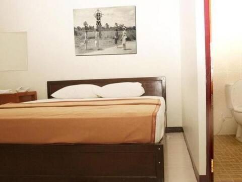 Room near Gajah Mada Shopping at Hotel Aroma Inn