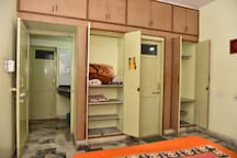 Spacious inbuilt closets to accommodate your belongings.