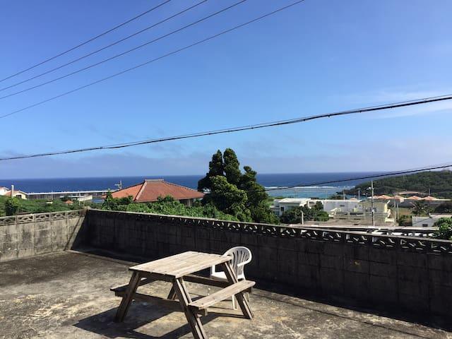 [Sea View シービューNo.3]宮古ブルーの海を個室から眺める セルフゲスト・ルーム