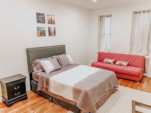 NYC - 1 BEDROOM NEAR CENTRAL PARK