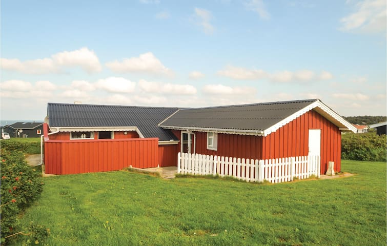 Holiday cottage with 3 bedrooms on 80 m²