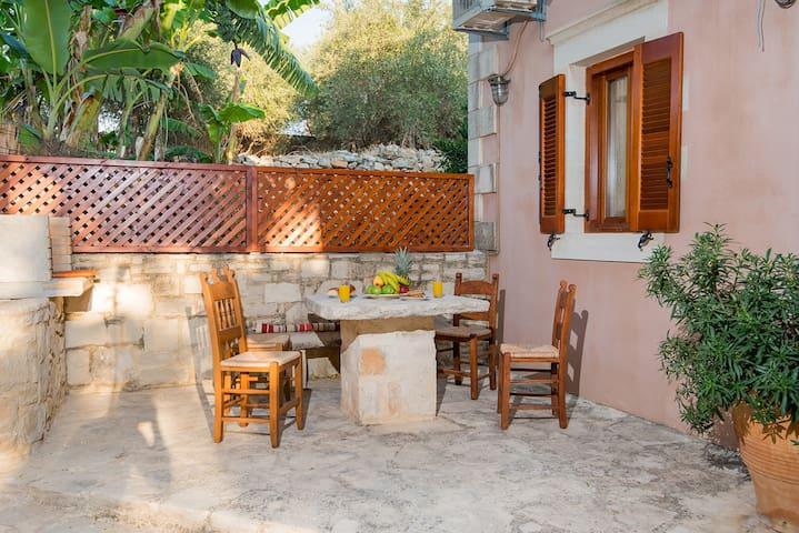 Erofeli House, a rustic home! - Rethimnon - Rumah