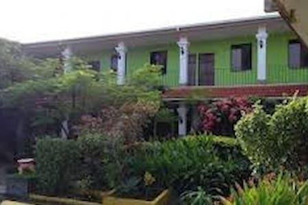RINCON COLONIAL Hotel y Restaurante