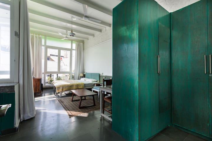 Glass house in HAUZ KHAS VILLAGE - New Delhi - Apartment