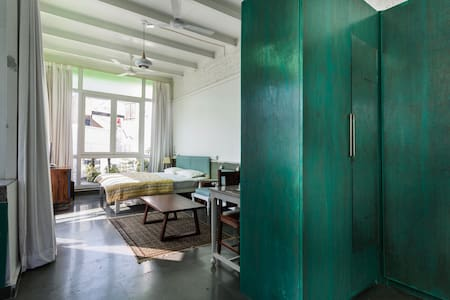 Glass house in HAUZ KHAS VILLAGE - Nueva Delhi - Apartamento