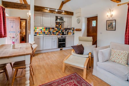 Self-catering cottage on farm with lots of space