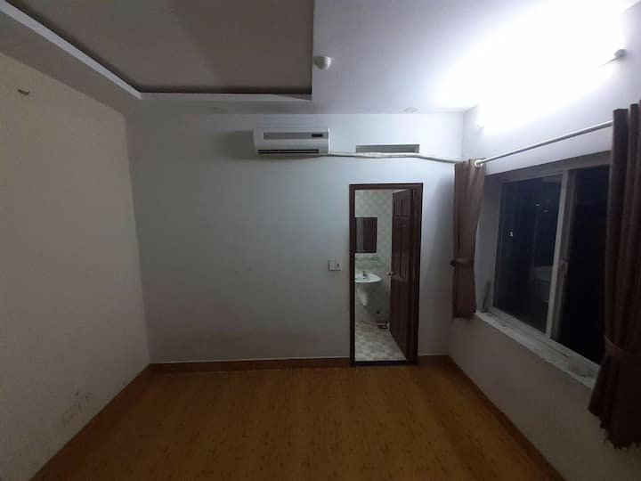 Room for rent : from 10usd to 15 usd per Night