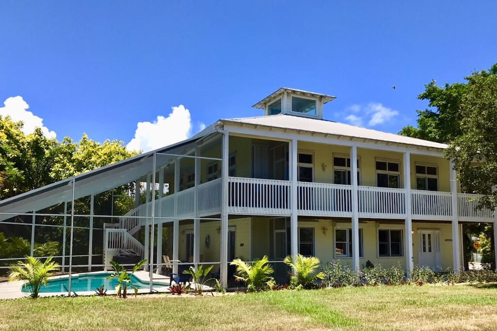 Tropical key west style pool home w 4bed 4bath houses for Bath house key west