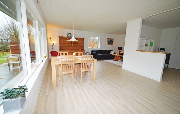 Cosy House with lots of space - - Rødby - Dům