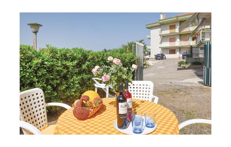 Holiday apartment with 1 bedroom on 55 m² in Capaccio (SA)