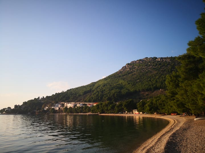 Drvenik, Gornja vala: Apartmani za odmor Ap2