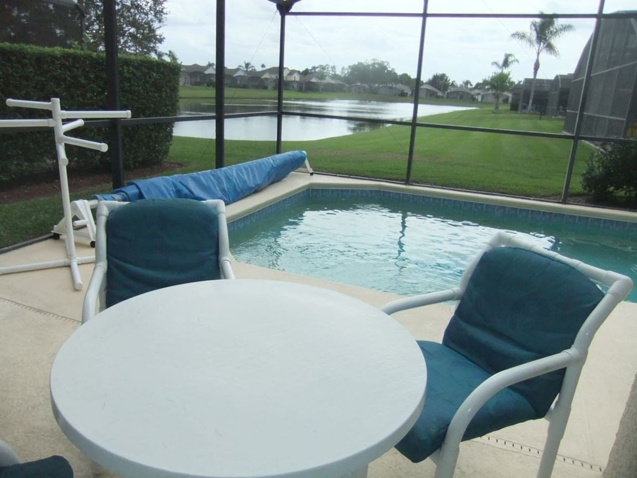 Al fresco dining by your pool