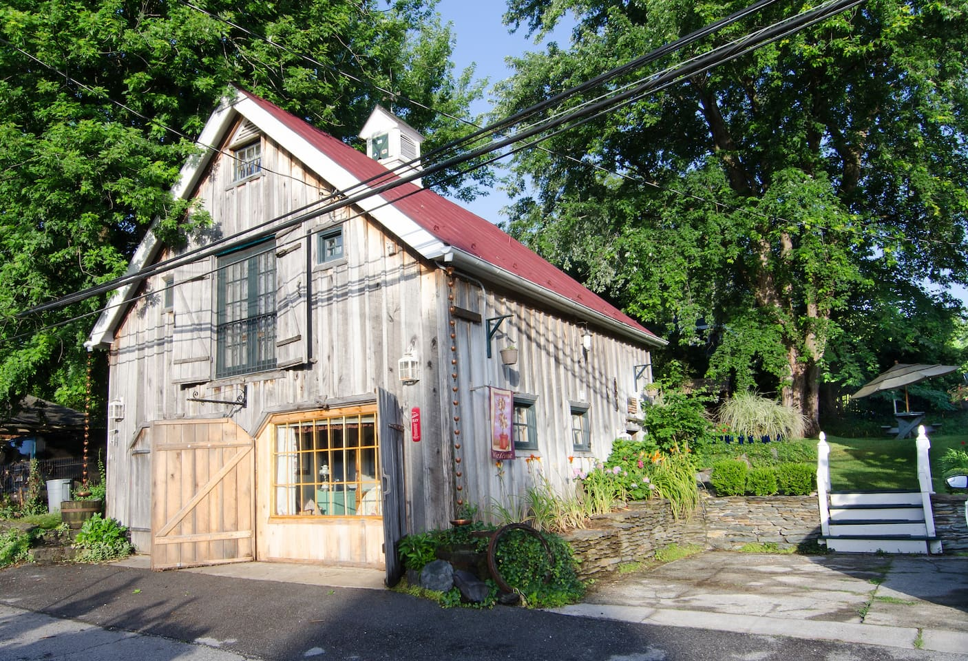 Cottage in the Historic District