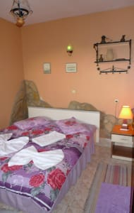 single private room inc wc, shower. - Selçuk - Guesthouse - 1